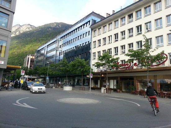 ABC Swiss Quality Hotel : Foto tirada na entrada da estação