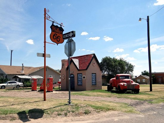 Route 66: The first Philip 66 Gas Station