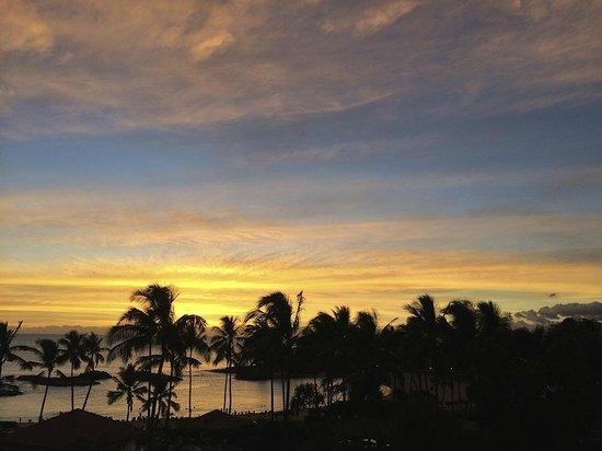 Marriott Ko Olina Beach Club: Sunset from balcony