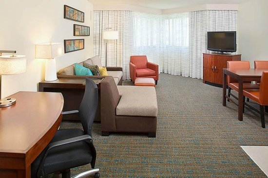 Residence Inn White Plains Westchester County: Guest Suite Living Room