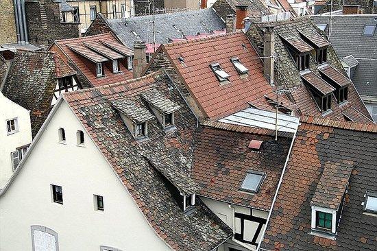 BEST WESTERN Hotel De France by HappyCulture : balcony view of the neighbourhood