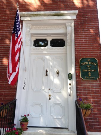 Terry House Bed and Breakfast: The front door!