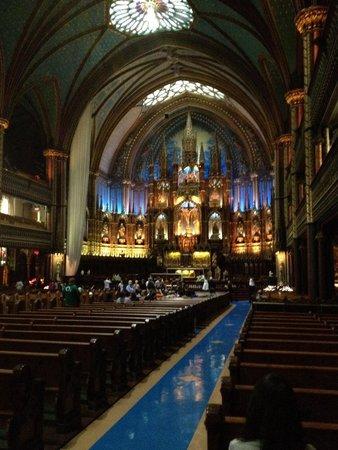 Basilique Notre-Dame de Montréal : Breathtaking cathedral!