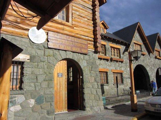 Centro Civico: Bariloche- Entrada Museo Nacional de la Patagonia-Centro Cívico