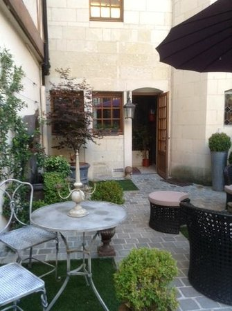 Hotel Saint-Pierre : patio