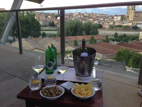 Hotel Marques de Riscal a Luxury Collection Hotel: View from Gehry Suite terrace.
