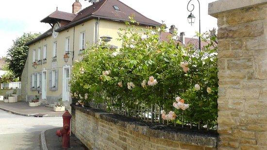 Gye-sur-Seine, Γαλλία: External street view