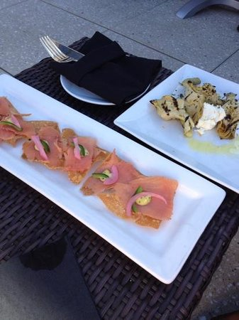 Hotel Andaluz: salmon nachos and artichoke at Ibiza
