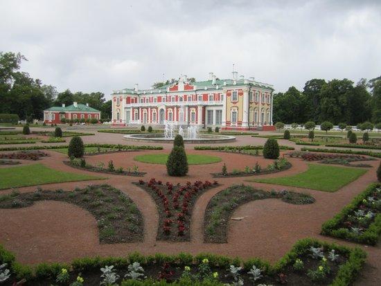 Traveller Tours: Kadriorg Palace