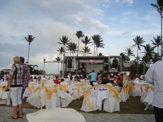 Cofresi Palm Beach & Spa Resort: Fiesta VIP
