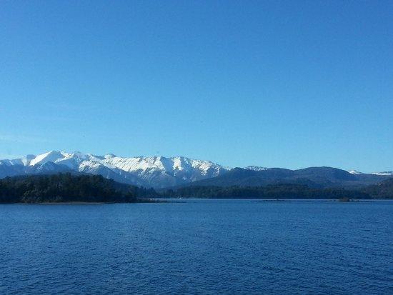 Altuen Hotel Suites&Spa: Vista do lago de Bariloche