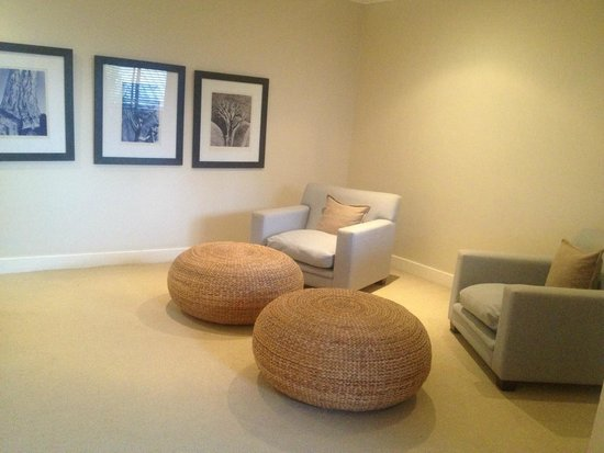 The Windermere by Mantis: sitting area in room