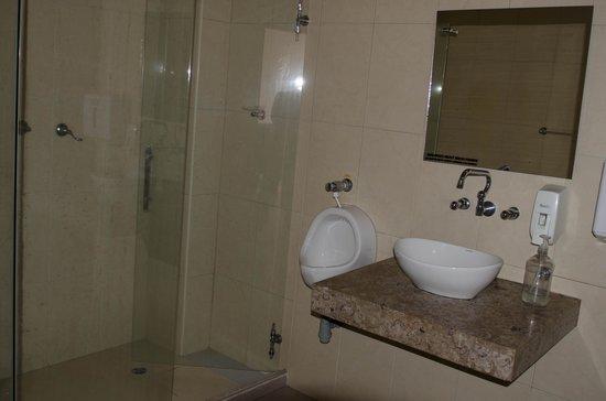 Geo Hostel: share bathroom second floor