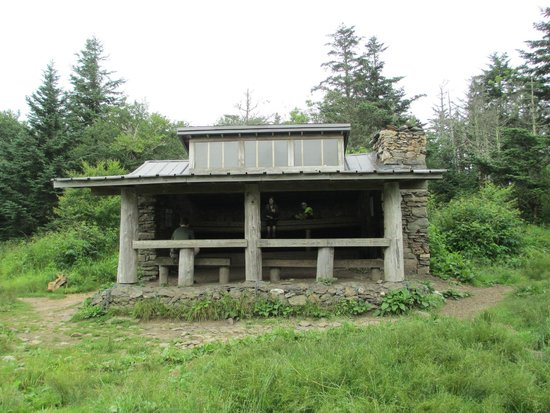 Charlies Bunion: Icewater Spring shelter on Appalachian Trail