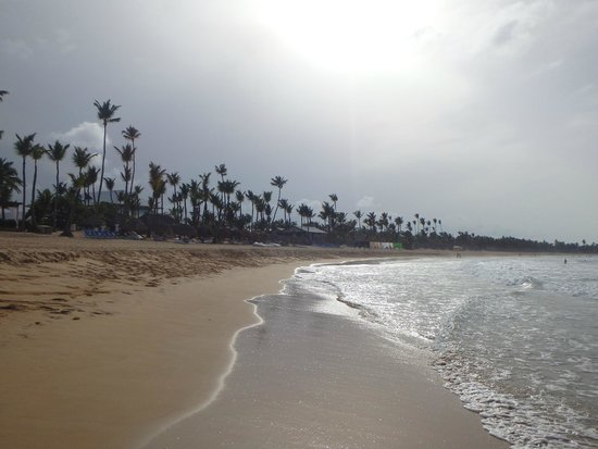 Excellence Punta Cana: evening walk on the beach