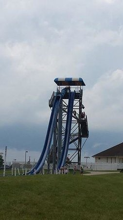 Crown Point, IN: The painful water slide - beware!