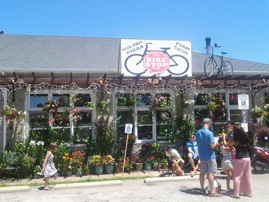 The Bike Stop Cafe: Cute place and good food