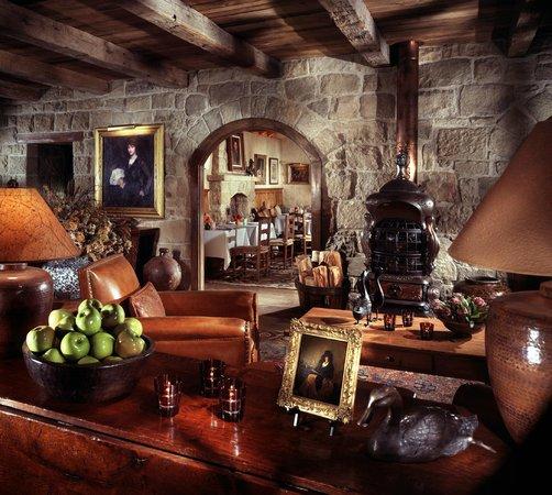 Stonehouse Restaurant at San Ysidro Ranch: Stonehouse Lounge