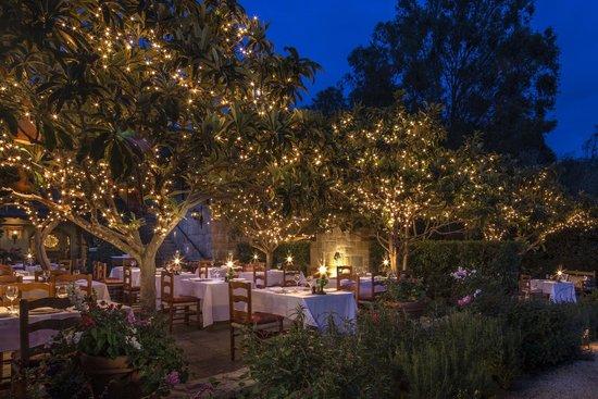 Stonehouse Restaurant at San Ysidro Ranch: Stonehouse Garden Dining