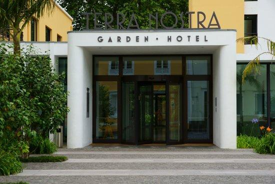 Terra Nostra Garden Hotel: Main Entrance