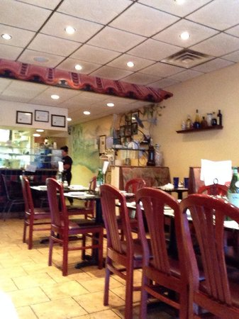 Sal's Brick Oven Pizza : Inside.