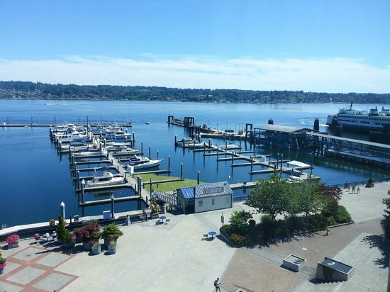 Hampton Inn & Suites Bremerton : Bremerton waterfront and marina from Hampton Inn 4th floor