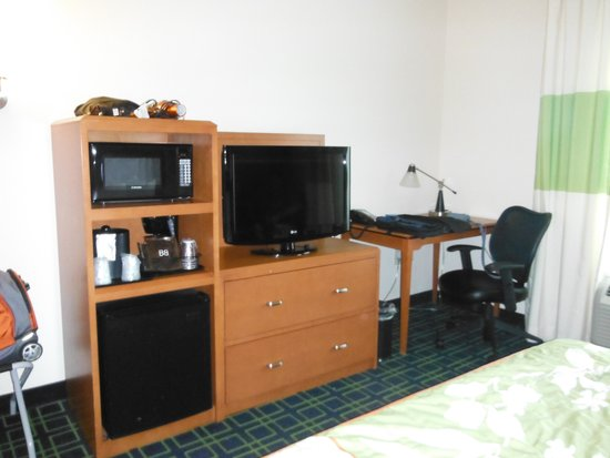 Fairfield Inn & Suites Raleigh-Durham Airport/Brier Creek: room