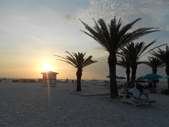 Hilton Clearwater Beach Resort & Spa: nice sunsets over the Gulf
