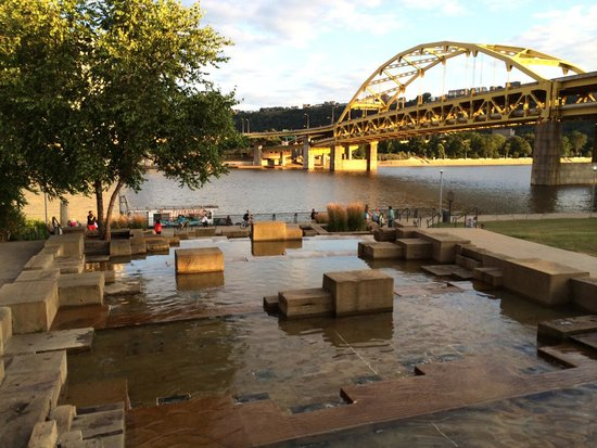 ‪Pittsburgh Water Steps‬