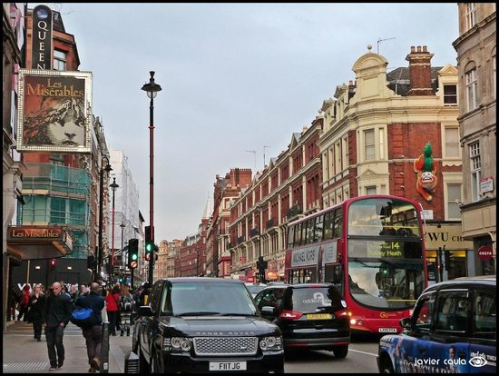 Oxford Street: Streets of London