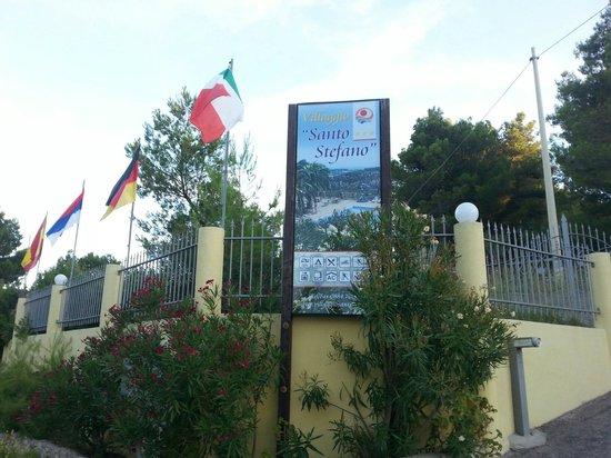 Villaggio Santo Stefano: Entrata