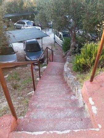 Villaggio Santo Stefano: Le scale per arrivare alla nostra casetta