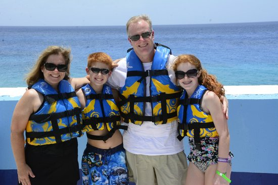 Dolphin Discovery Grand Cayman: Family shot before out encounter with Galileo