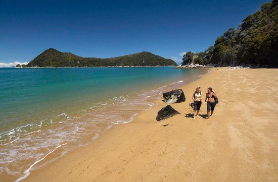 Marahau, Nueva Zelanda: Walk on these amazing beaches