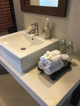 Crown Lanta Resort & Spa : bathroom
