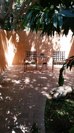 Royal Palms Resort and Spa: Patio