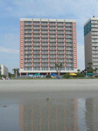 Roxanne Towers: Beach view