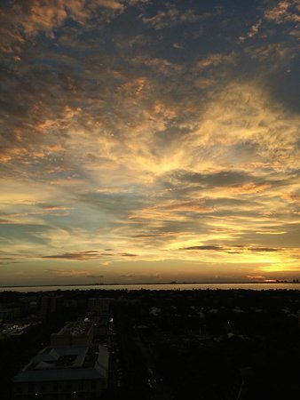 The Ritz-Carlton Key Biscayne, Miami : sunset view from 14th floor bay view room