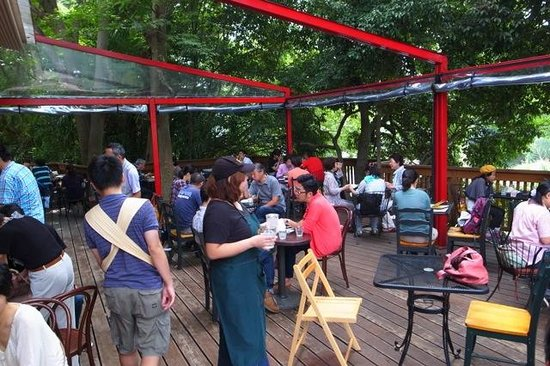 Alishan Cafe: Deck