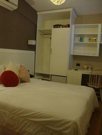 Hotel Milano: bancada muito útil