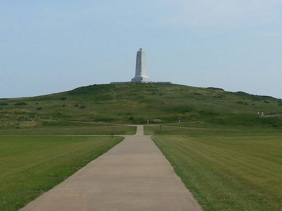 The Monument to a Century of Flight: View from the ground