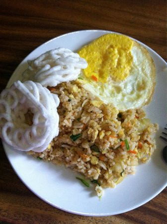 Sandat Bali: Ari's Nasi Goreng Estimewa- Owner W.Ari cooked special breakfast rice himself upon request, the