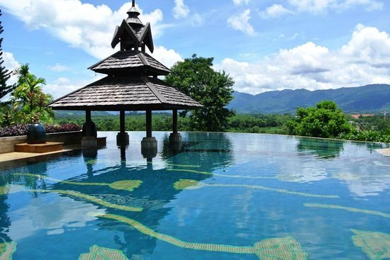 Anantara Golden Triangle Elephant Camp & Resort: Infinity Edge Pool with view of Mekong River