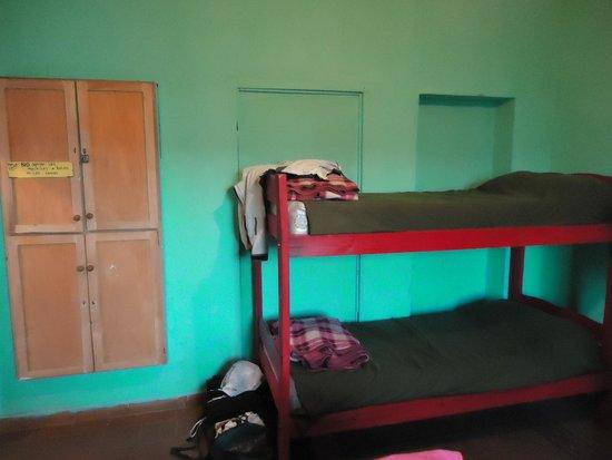 Huayra Sanipy: 7 Bed Dorm Room