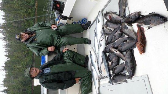 Kingfisher Charters & Lodge: Salmon and Rock fish