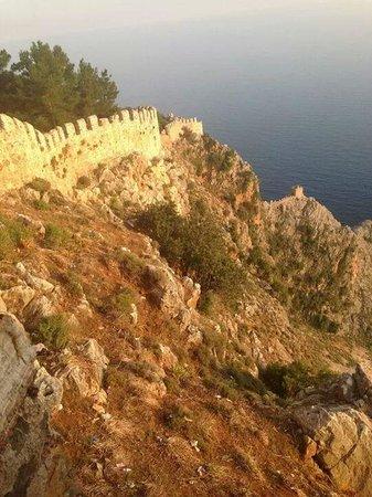 Alanya Kalesi (Castle): Del af muren, rundt om borgen.