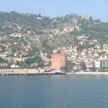 Alanya Kalesi (Castle): Det røde tårn
