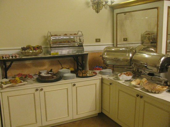 Bernini Palace Hotel : Part of the Breakfast Buffet