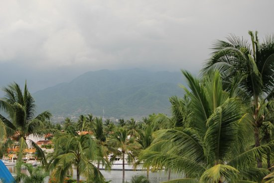 Vamar Vallarta All Inclusive Marina and Beach Resort: raining day
