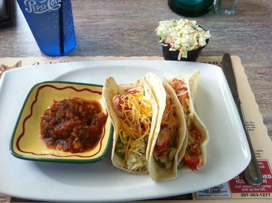 Fox's Lobster House: Mini lobster tacos